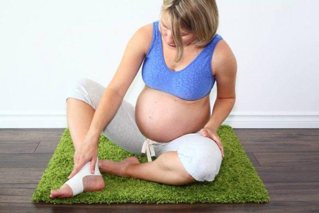 Picioarele umflate sunt o problema frecventa in randul gravidelor