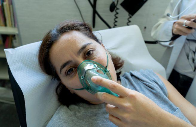 Gazul ilariant este folosit in anestezierea gravidei la nasterea naturala