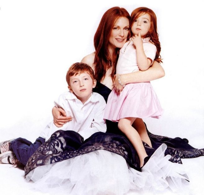 Julianne Moore si copiii ei