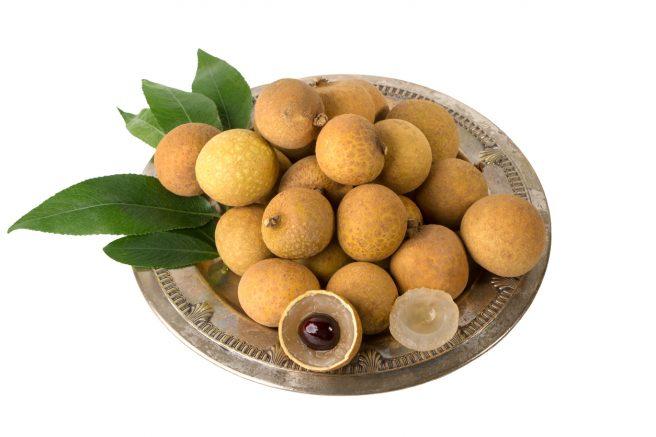 platou-plin-cu-fructe-longan-sau-ochiul-fragonului