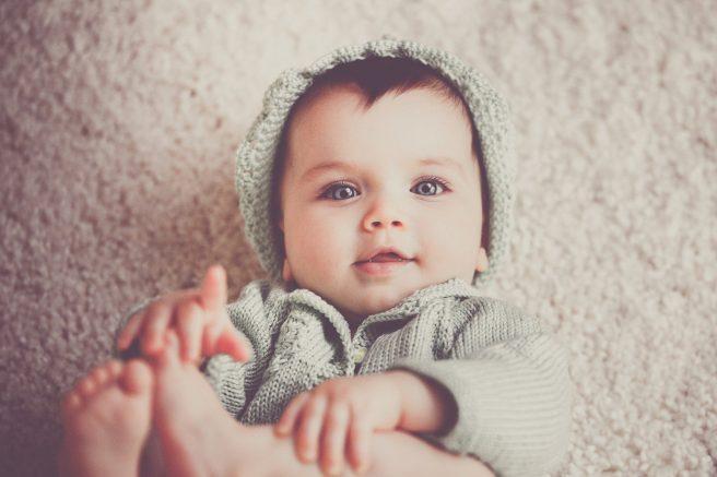 Bebelus care zambeste